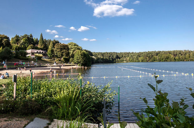 plage-camping-lac-aydat
